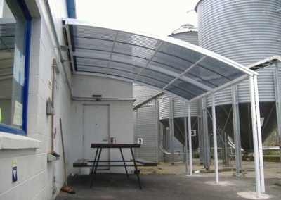 retractable commercial awnings